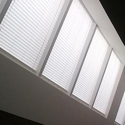 Skysol powered roofblind - privacy - Dometic - Acastimar
